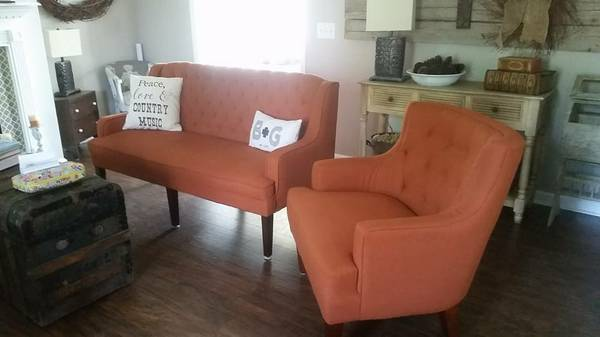 Tufted Loveseat     $200   There is also a set of matching chairs for sale - click on the link for more details.     View on Craigslist