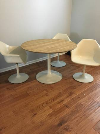 Tulip Table and Chairs     $300     View on Craigslist