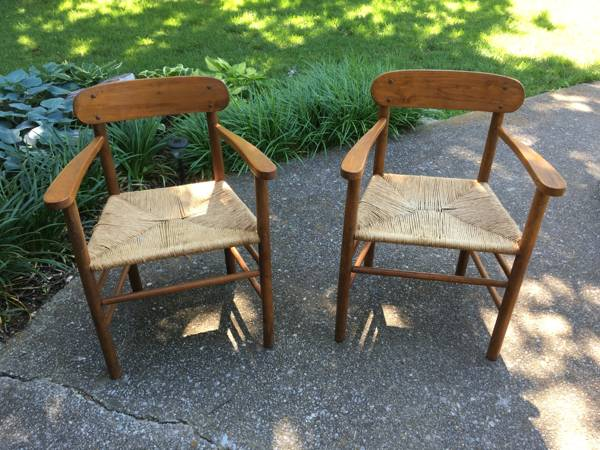 Pair of Mid-Century Chairs     $75     View on Craigslist