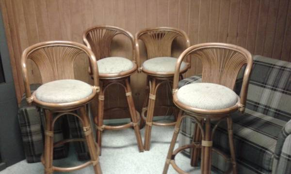 Set of 4 Rattan Bar Stools $100 View on Craigslist
