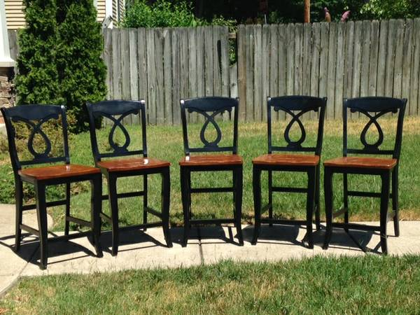 Set of Counter Height Chairs     $125     View on Craigslist