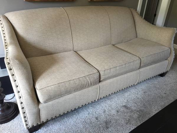 Neutral Sofa     $500     View on Craigslist