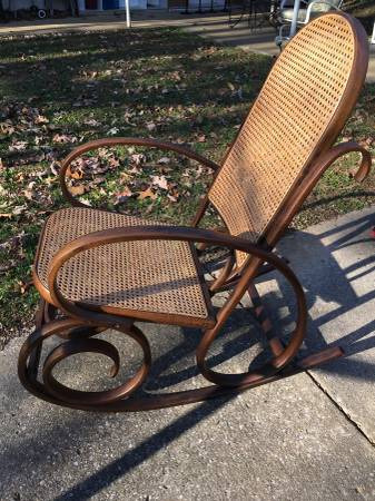 Bentwood Rocker     $45     View on Craigslist