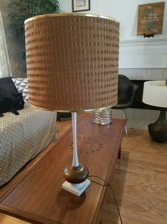 Mid-Century Modern Lamp $20 View on Craigslist