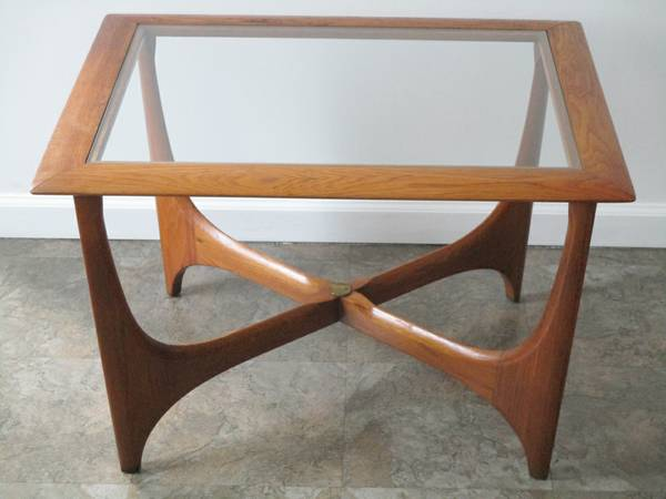 Mid-Century Lane Side Table $75 View on Craigslist