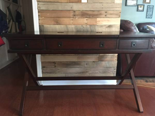 Pottery Barn Desk     $200     View on Craigslist