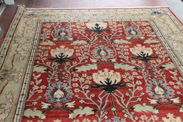 9' x 12' Rug     $900     View on Craigslist