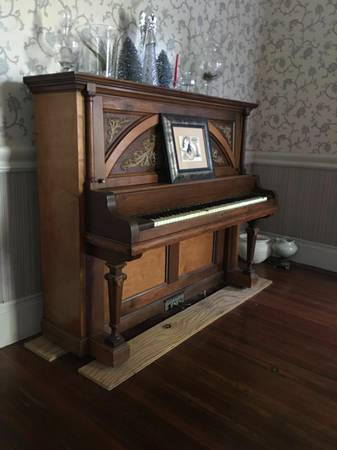 Antique Piano     $150     View on Craigslist
