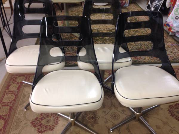 Vintage Dining Chairs     $200     View on Craigslist