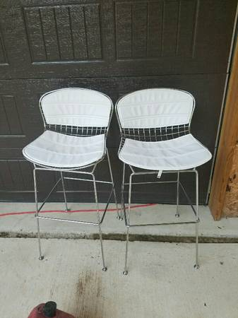 Pair of Bar Stools     $100     View on Craigslist