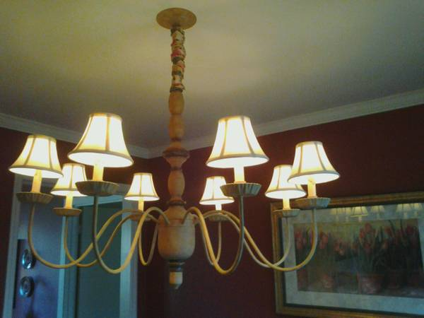 Ethan Allen Chandelier     $150     View on Craigslist