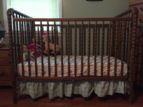Jenny Lind Style Crib     $30   This would be adorable painted!    View on Craigslist