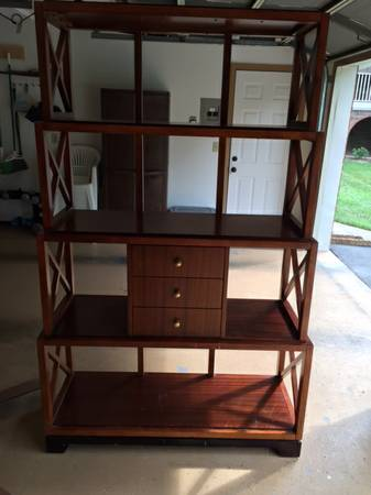 Wooden Shelf     $75     View on Craigslist