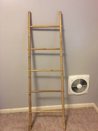 Bamboo Towel Rack     $15     View on Craigslist