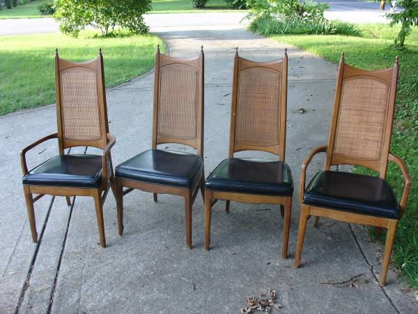 Set of Vintage Chairs $140 View on Craigslist