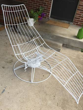 Mid Century Homecrest Lounge Chair     $200     View on Craigslist