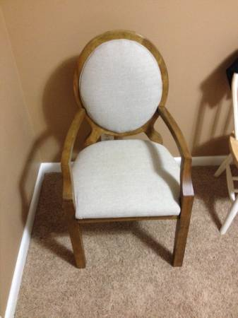 Accent Chair     $35     View on Craigslist