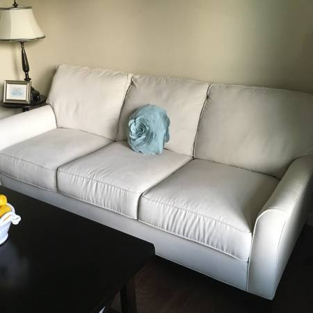 Broyhill Sofa $250 View on Craigslist
