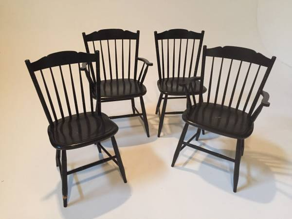 Set of Kitchen Chairs $125 View on Craigslist