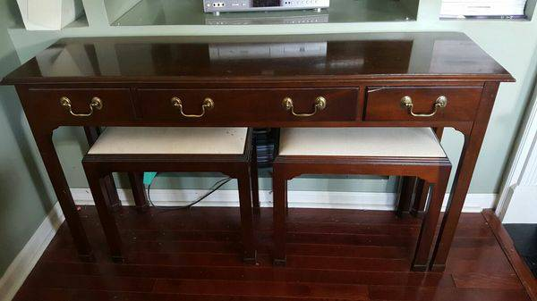 Console Table with Stools     $75     View on Craigslist