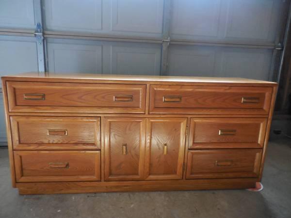 Dresser $100 View on Craigslist