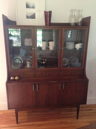 Mid-Century China Cabinet     $300     View on Craigslist