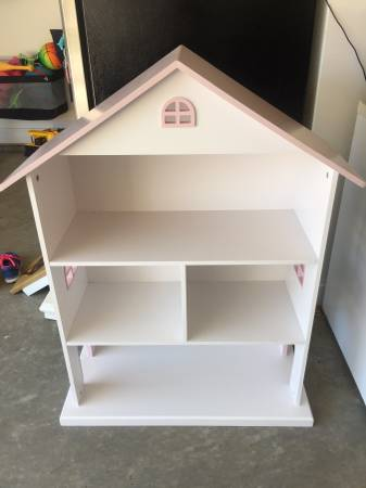 Dollhouse Bookcase     $25     View on Craigslist