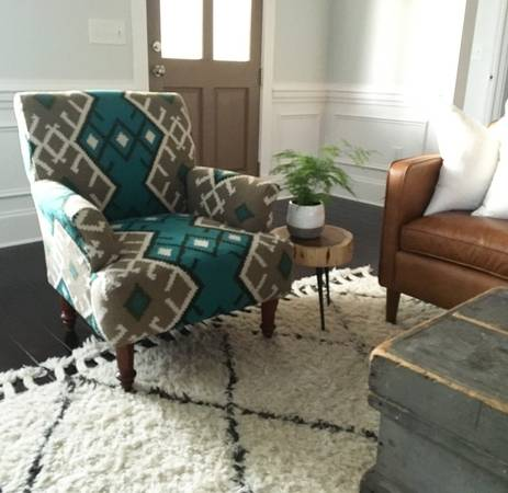 Roost Kilim Chair     $475     View on Craigslist
