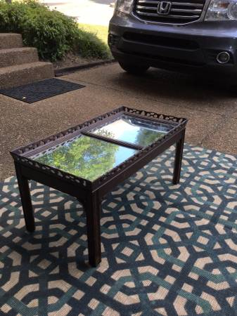 Coffee Table     $45     View on Craigslist