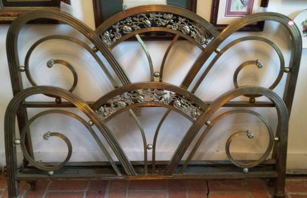 Art Deco Brass Bed     $125     View on Craigslist