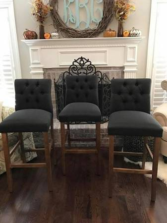 Set of Barstools     $200     View on Craigslist