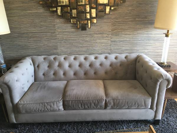Tufted Sofa     $525     View on Craigslist