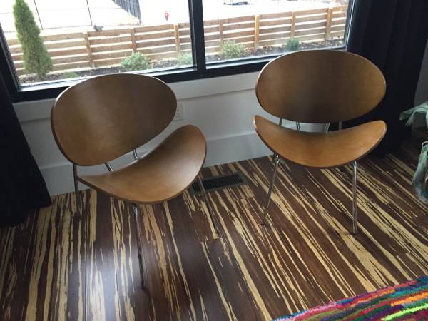 Pair of Mid-Century Style Chairs     $100     View on Craigslist