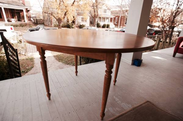 Pine Dining Table     $75     View on Craigslist