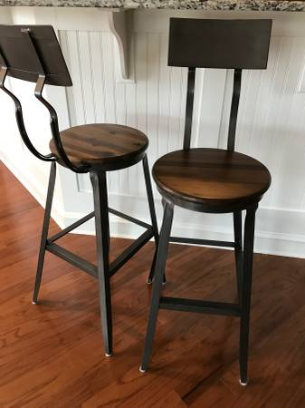 Set of 3 Barstools $200 View on Craigslist