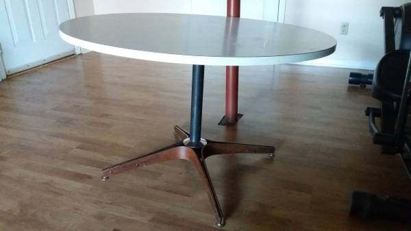 Vintage George Mulhauser Table $100 View on Craigslist