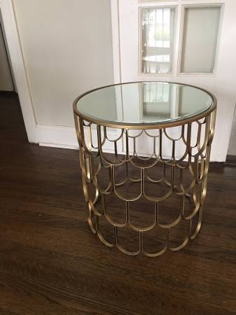 Brass Mirrored Side Table $60 View on Craigslist
