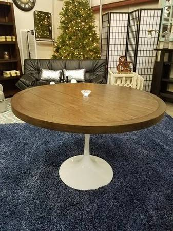 Tulip Base Table $139 View on Craigslist