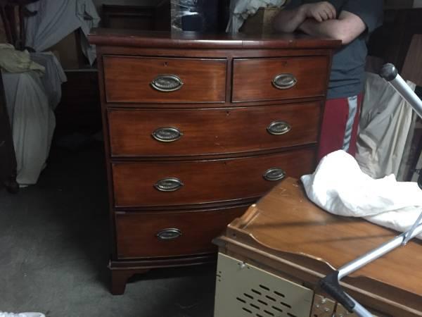 Dresser $95 View on Craigslist