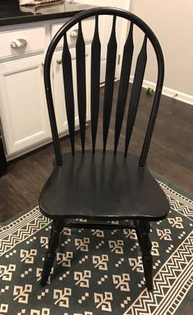 Set of 6 Dining Chairs     $100     View on Craigslist