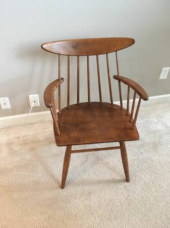 Mid-Century Chair $75 View on Craigslist