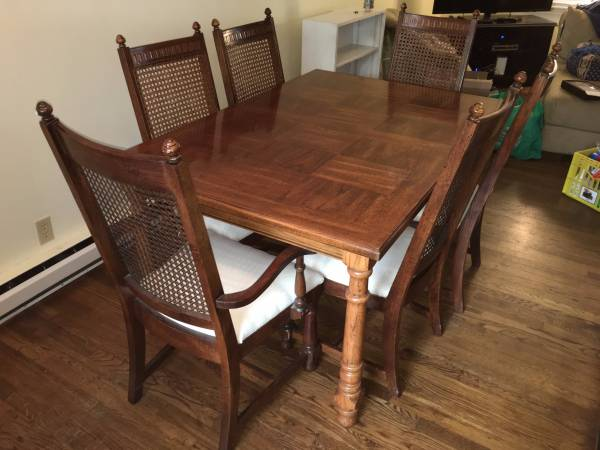 Dining Table and Chairs $500 This set would look amazing painted. View on Craigslist
