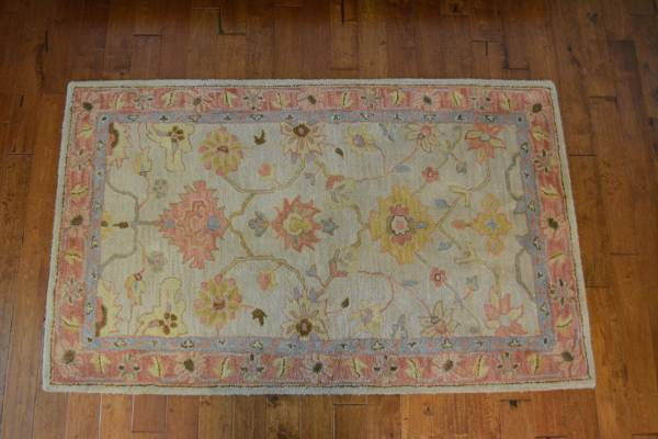 Small Pottery Barn Rug     $45     View on Craigslist