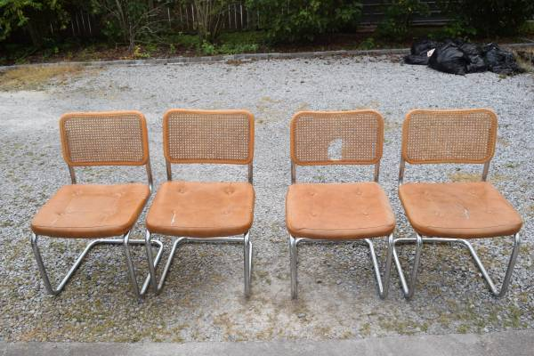 Set of 4 Chairs $50 View on Craigslist