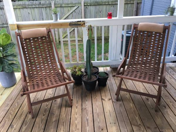Modern Lounge Chairs     $75     View on Craigslist