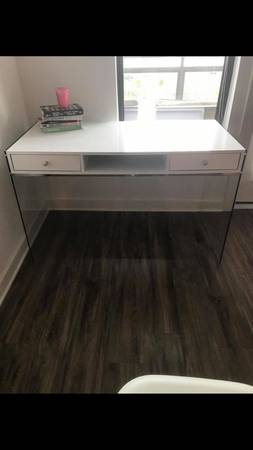 Modern White Desk     $200     View on Craigslist