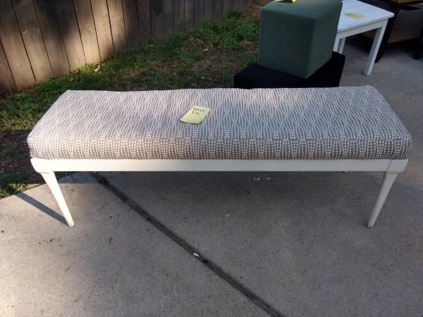 Bench     $30     View on Craigslist