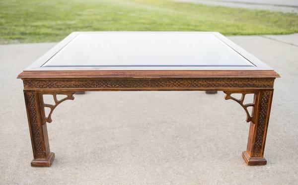 Coffee Table     $100     View on Craigslist