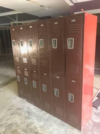 Lockers     $100     View on Craigslist