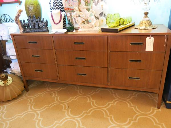 Mid-Century Dresser     $379     View on Craigslist